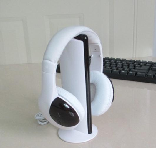 MH2001 white 5 in 1 Wireless stereo Headphone headset TV HIFI PC CHAT FM transmitter 30m Gaming Headphones(China (Mainland))