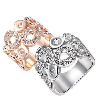 טבעת עבה משובצת קריסטלים