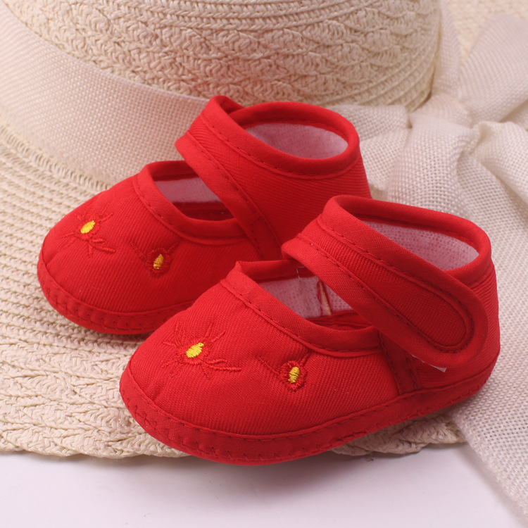 2016 New Cute Newborn Baby Shoes Sweet Red Newborn Baby Embroidery Flower Shoes Soft Soled Anti-slip Bottom Shoes(China (Mainland))
