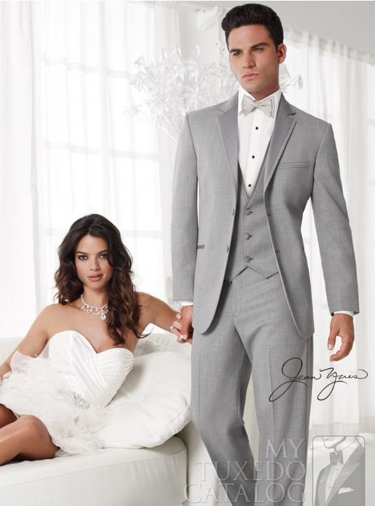 custom-made-suits-free-shipping-Light-Grey-Groom-Tuxedos-Suits-custom-wedding-groom-wear-dress-vest (1)
