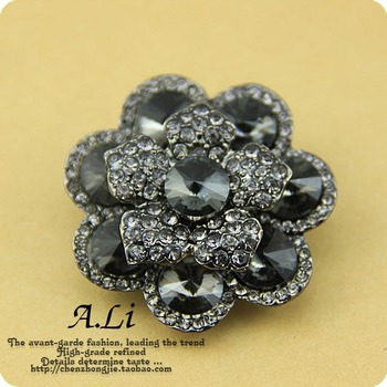 Top Quality Fashion Beautiful Flower Rehinestone Buttons Woman Fur Overcoat  Button Diameter 42mm