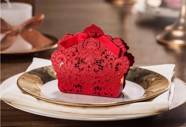 50Pcs European style Hollow out flowers Wedding box Candy Box gift box wedding bonbonniere wedding favour boxes 002(China (Mainland))