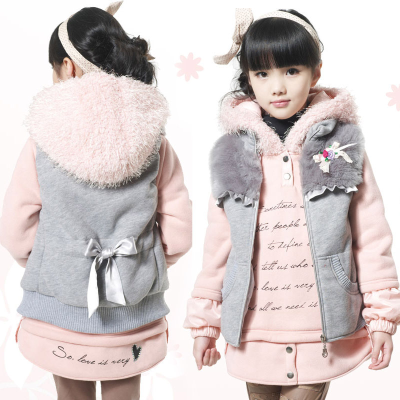 Free shipping Winter girl clothing set girl cloth with soft nap long sleeve hoodie and vest clothing set children clothing(China (Mainland))
