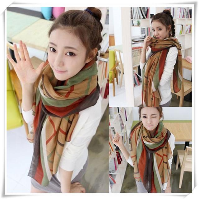 Недавно дизайн очаровательные женщины полосатый зима осень шарфа платок шелковые шарфы May21