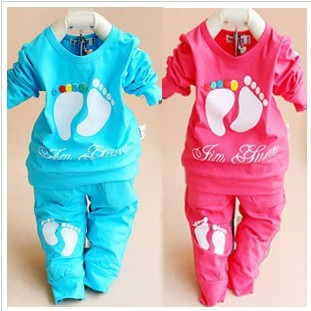 Promotion 2016 New baby autumn clothing set o-neck full sleeve cotton material foot print infant suit A142 - Helen Children's shop store