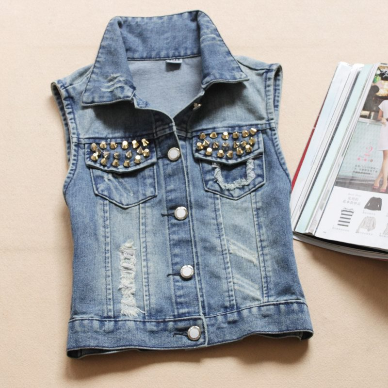 single women in jean Shop womens clothing at express we carry the latest trends in womens clothing to show off that fun and flirty style of yours.