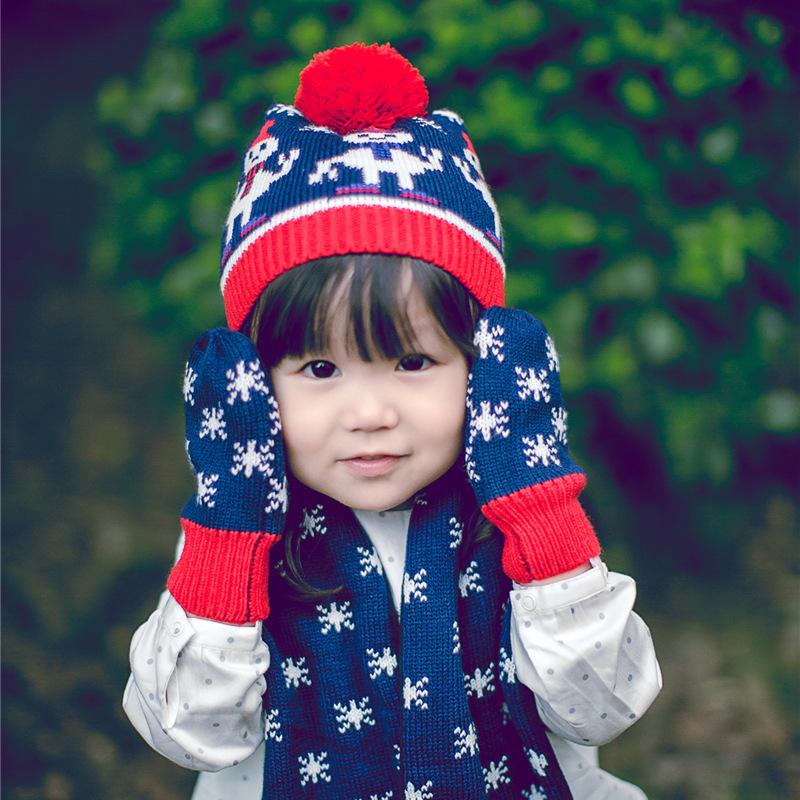 Winter jacquard woolen crochet hat girls beautiful snow warm baby mittens baby scarf winter kids hats scarves gloves three-piece(China (Mainland))