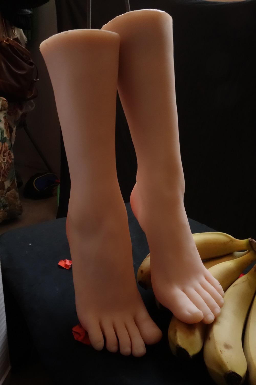Ступни женских ног видео можно