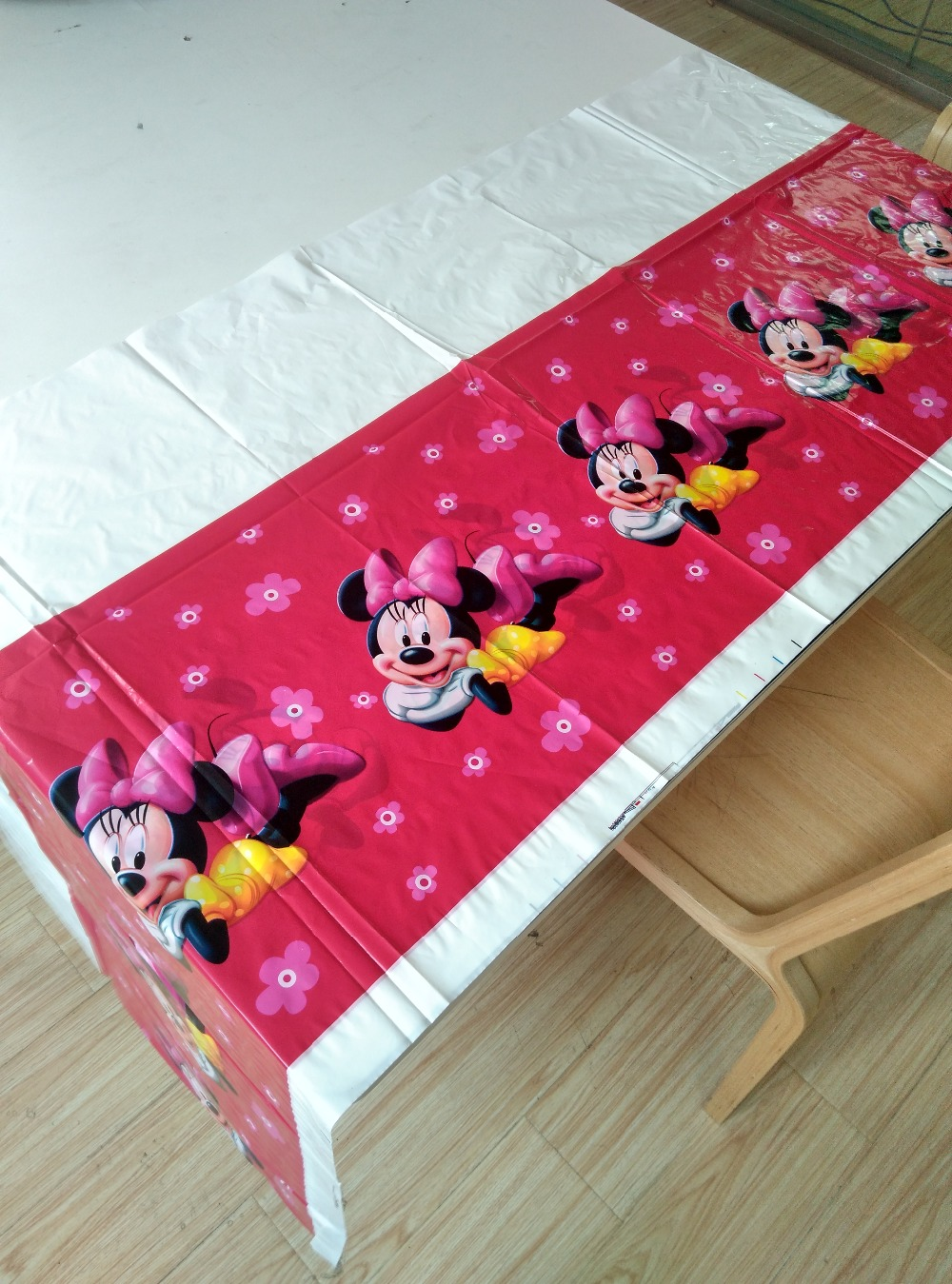 Red minnie mouse party supplies tablecloth favor kids girls birthday tablecloths party festival decoration 108cm*180cm 02(China (Mainland))