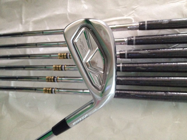 JPX850 Forged Irons JPX850 Golf Forged Irons OEM Golf Clubs 4-9PGw Regular or Stiff Flex Steel Shaft With Head Cover By DHL(China (Mainland))