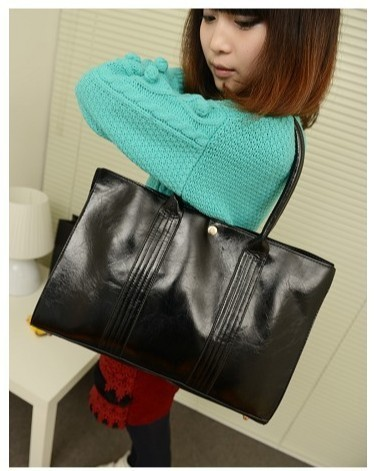 Free Shipping!!! Newest fashion girl use messanger bags (black color)  DS-051