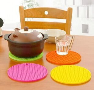 Durable Honeycomb Silicone Non-slip Heat Resistant Mat Coaster Cushion Placemat Pot Holder kitchen accessories cozinha cocina(China (Mainland))