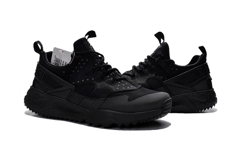 Nike Air Huarache Size 4