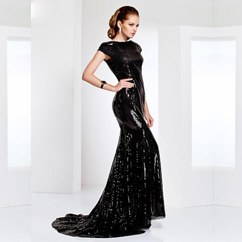 Черные коктейльные платья с блестками
