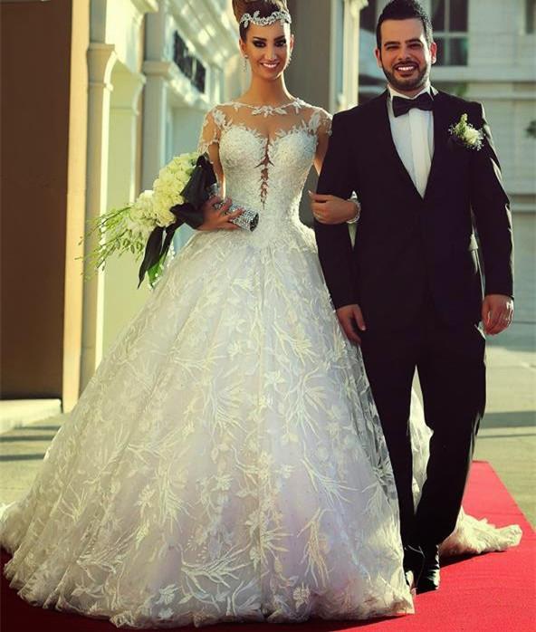 Gorgeous Sheer Long Sleeve Tulle Ball Gown 2015 Bohemian Lace Wedding Dresses Vestidos De Noiva De Renda 121511(China (Mainland))