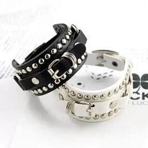 fashion personalized basic rivets buckle leather wide bracelets(China (Mainland))