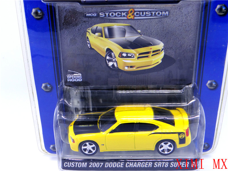 CUSTOM 2007 CHARGER SRT8 DODGE SUPER BEE 1:64 original package