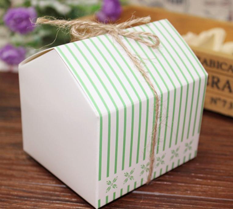 Venda quente 8*7.4*8 cm 10 Pcs casa verde Kraft Caixa de Papel do alimento choclate(China (Mainland))