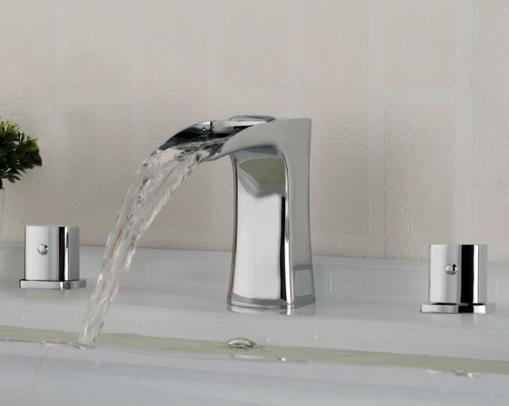Купить Палуба Гора Двойные Ручки Ванной Смеситель для раковины Кран Латунный Водопад Широкое Ванная Комната Ванной Краны