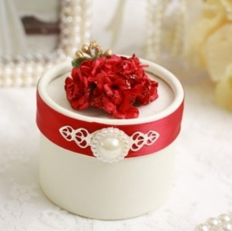 Free shipping, 60 pcs / lot Red flowers wedding gift boxes, Favour boxes, Round paper candy box, 7 * 5.2 (cm), Red XT-Y2