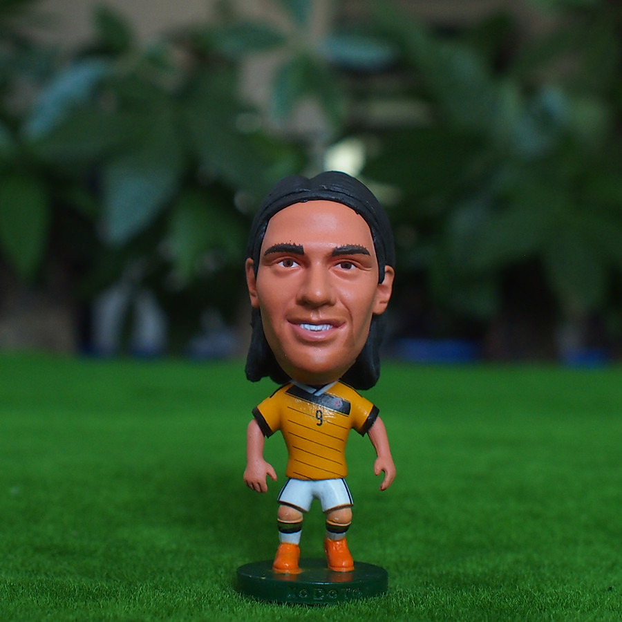 Kodoto National 6.5*3.5 cm size resin Soccer Doll Colombia 9 Falcao mini Figure Office Doll in Orange kit(China (Mainland))