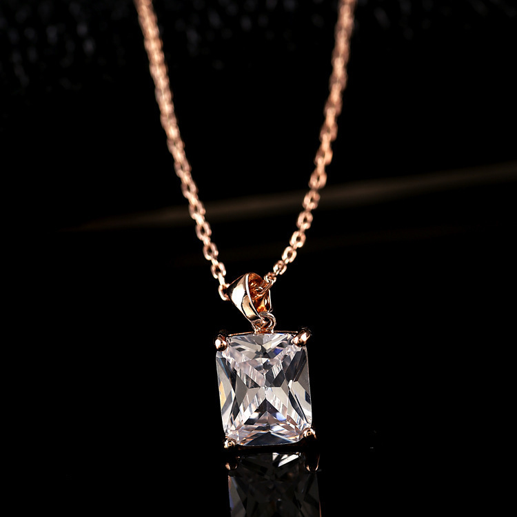 HOT NEW COMING Elegant and Graceful Crystal Pendant Necklace PayPal Accepted(China (Mainland))