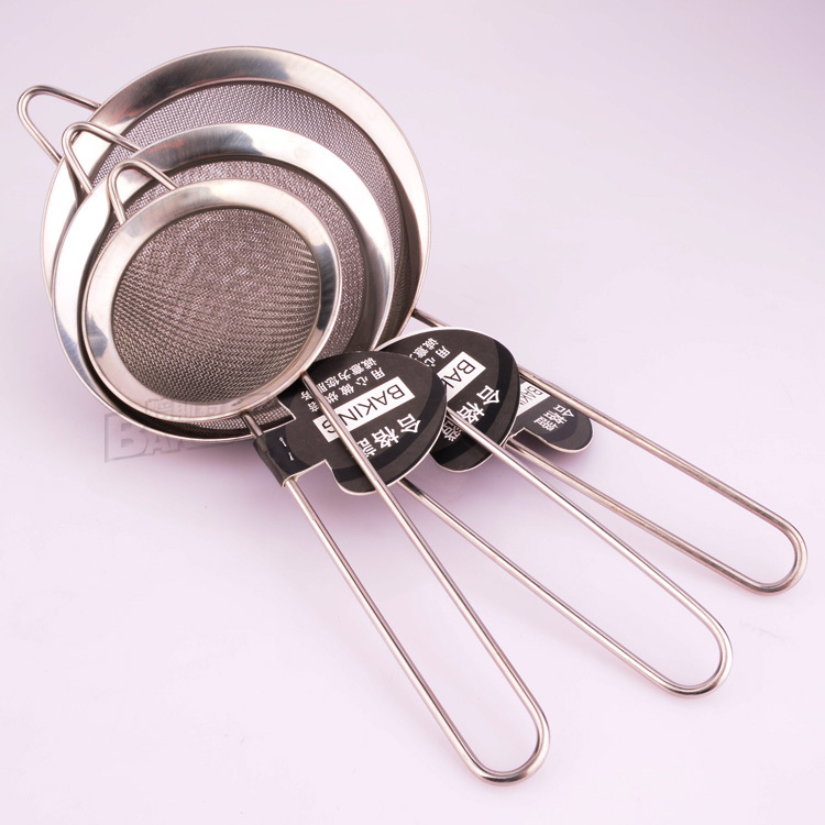 1 PC high-grade stainless steel round flour sieve with fine mesh Bowl screen shaker with long handle 4 size can choose(China (Mainland))