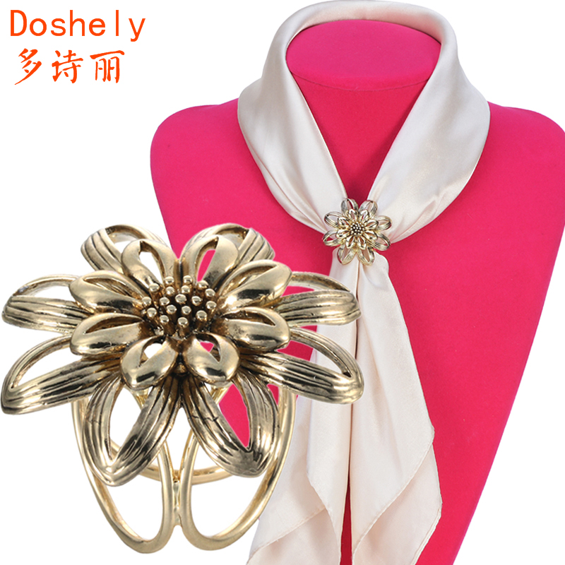 Elegant Retro Women jewelry Hollow out flower Old silver gold Airline stewardess Brooches pins Shawl Scarves Scarf buckle clips(China (Mainland))