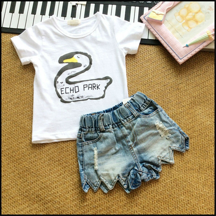 2015 summer style girl suit Sleeve kid clothing duck print T shirt + denim pant high quality hot sale(China (Mainland))