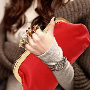 Fashionista Personality Skull Small Black Knucklebox European fashion lady Clutches Women Evening Party Dating handbag 2015 New(China (Mainland))
