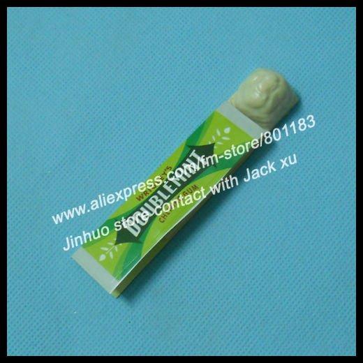 Free shipping Magic chewing gum restore Magic Trick 50pcs/lot for magic props wholesales(China (Mainland))