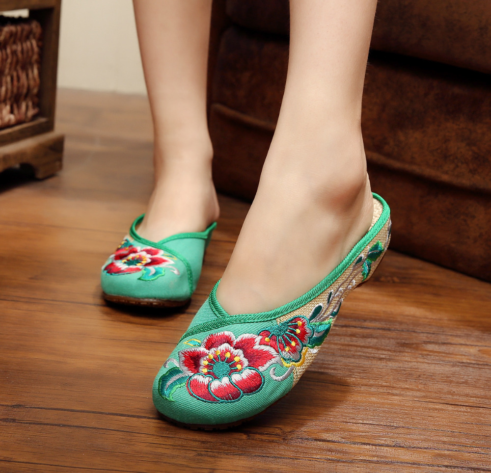 25 Style Fashion Women's Old Peking Slippers Flat Heel Demin Shoes Chinese Flower Embroidery Soft Sole Casual Shoes Plus Size 40(China (Mainland))
