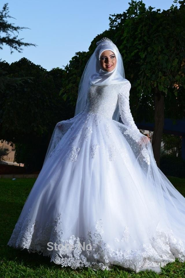 Vintage ball gown lace hijab wedding dress islamic long for Arabic wedding dresses with hijab