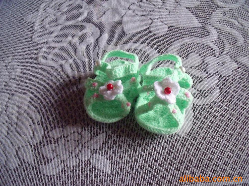 Lovely lace flowers hand-woven woolen baby shoes, baby shoes, arts and crafts(China (Mainland))