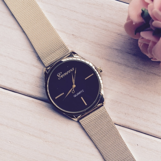 2015 New Arrival Black Clean Style Dial Gold Stainless Steel Watch Women Dress Watch Geneva Quartz Watch(China (Mainland))