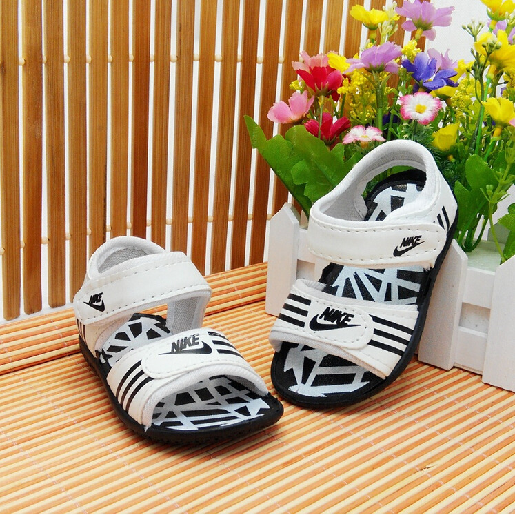 Children's Baby sandals PU hollow out sandals beach soft bottom shoes Baby shoes factory wholesale price(China (Mainland))