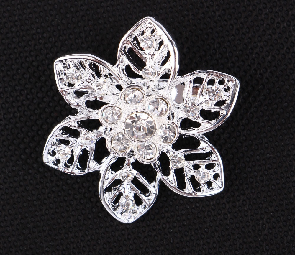 2016 New Fashion Hollow Out Rhinestone Flower Brooches Pin Corsage Jewelry For Women Cape Buckle Wedding Dress Accessory Silver(China (Mainland))