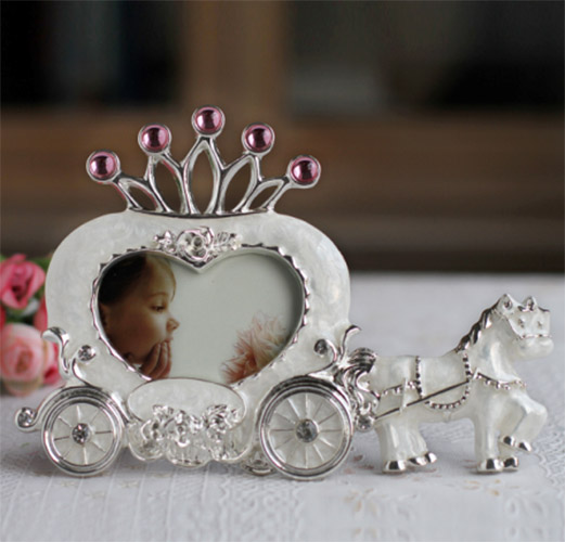 New Fashion White Horse Carriage Heart Home Decor Photo Frame Picture Frame Alloy Metal 3''(China (Mainland))