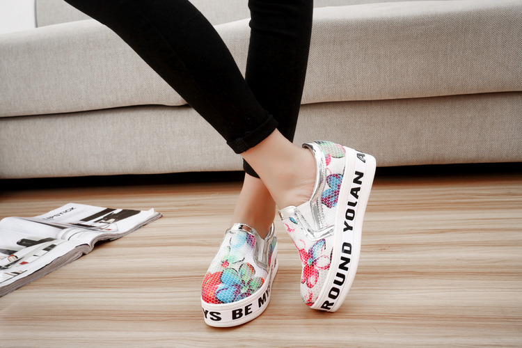 2015 New Zapatos Mujer Shoes Shoes Leisure Ladies Soled Canvas Lazy Korean Shallow Mouth Muffin Bottom Sets Foot Flat Printing(China (Mainland))