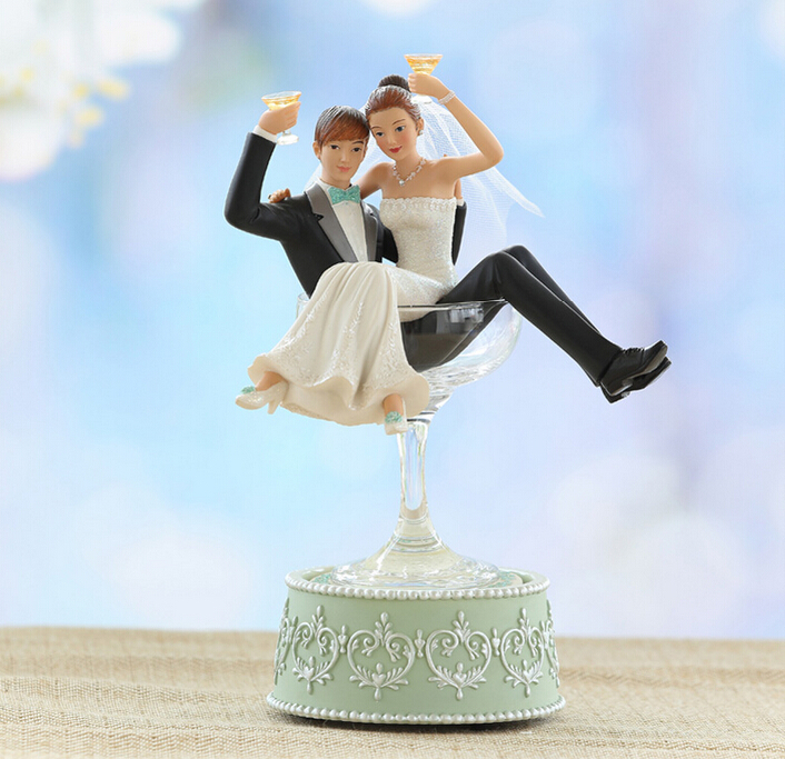 gift ideas Newlywed couple music box to send a wedding gift ...