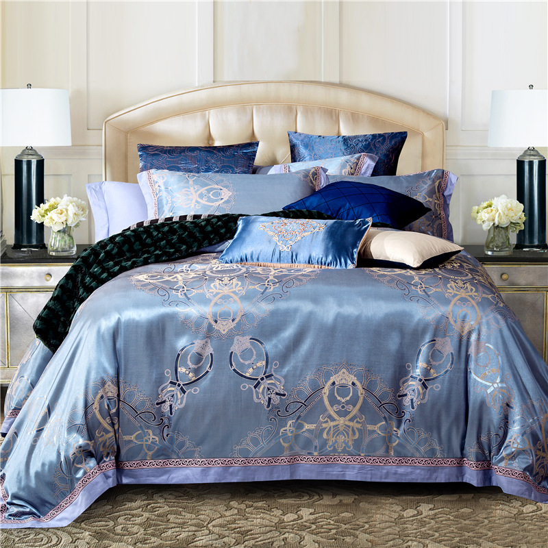 Luxury jacquard cotton silk bedding bedding set duvet for Luxury cotton comforter sets
