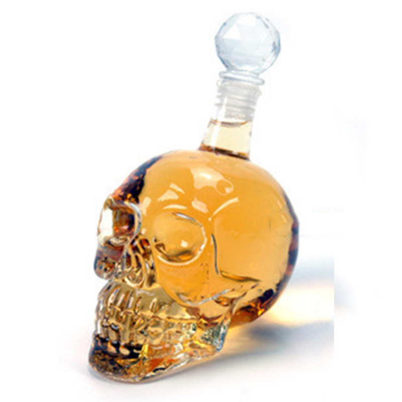 Free Shipping Glass Skull Bottle Creative Crystal Skull Vodka Bottle, 125ML to 1000ML four different sizes Glass CUP.(China (Mainland))