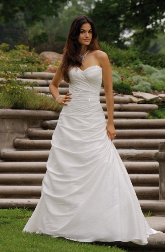 2011 new designs discount wedding dress stores bridal for Cheap wedding dress outlets