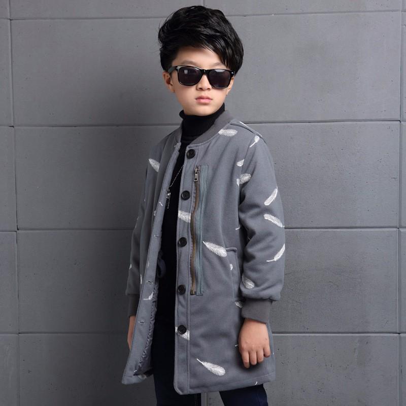 Скидки на Thumbaby Зима Мальчик Куртка Пальто С Перо Вышитые 2 Цвета Детская Одежда Теплый Повседневная Детская Одежда