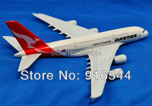 2014 Real Sale Cars Pixar Brinquedos Juguetes 16cm A380 Qantas Die Cast Metal Boeing Commercial Plane Model Length For Chirstmas(China (Mainland))