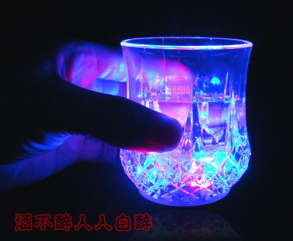 Novelty birthday presents colorful lights cup magic cup is the most popular with disco party bar glass cup gift(China (Mainland))