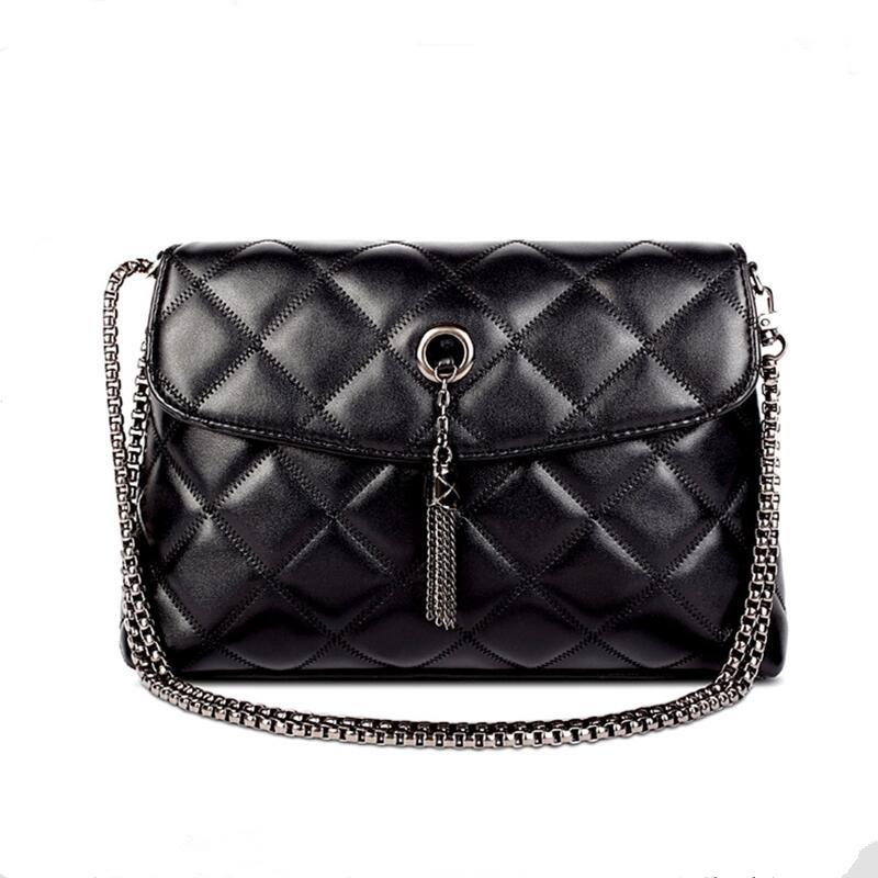 2016 New Brand designer women small messenger bag Sheepskin solid color shoulder bag fashion vintage girls