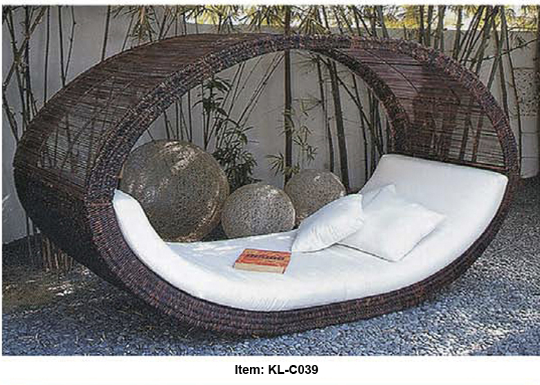kl c039 free shipping covered sunbed outdoor garden lying bed retail wholesale in sun. Black Bedroom Furniture Sets. Home Design Ideas