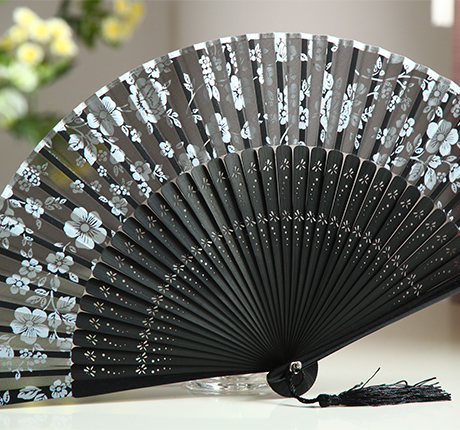 [ MY Soul ] Japanese folding fan of Japanese kimono and wind gift fan dragonfly skeleton black flowers(China (Mainland))