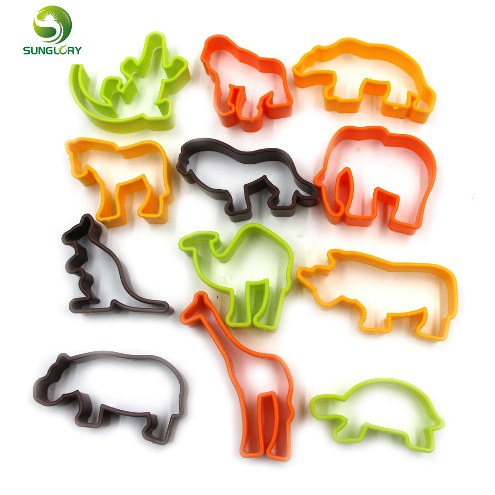 12PCS Plastic Animal Cookie Cutter Baking Tools Pastry DIY Biscuit Cookie Mold Bear Lion Decoration Sugar Craft Chocolate Mould(China (Mainland))
